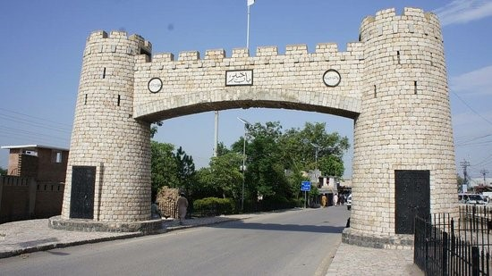 Khyber Pass - best tourist places in pakistan